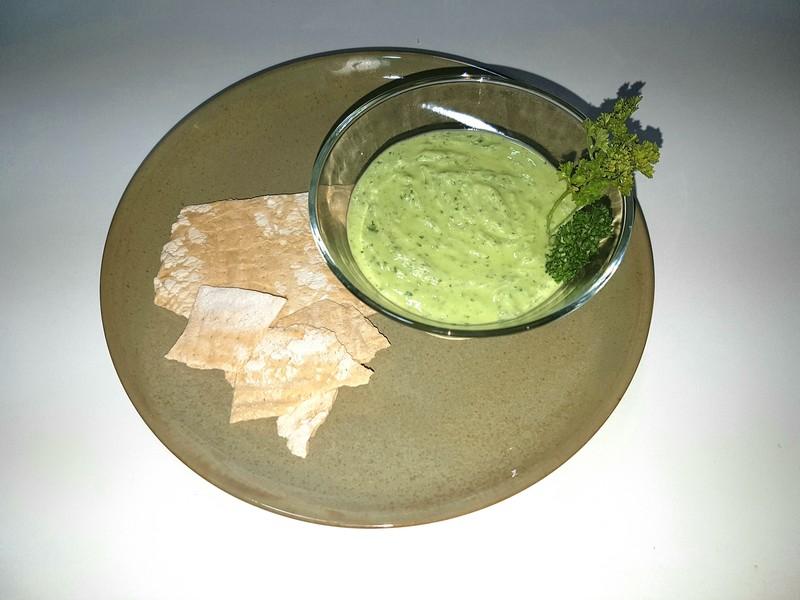Maidanosalata, un excelente dip de perejil